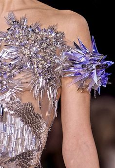 Valentin Yudashkin F/W 2013. That looks like something out of a sci fi flick.