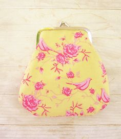 Coin purse wallet pouch metal frame pink roses and by poppyshome, €11.00