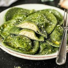 Vegan Dinner Recipes, Delicious Vegan Recipes, Healthy Dessert Recipes, Vegan Meals, Pasta Recipes, Salad Recipes, Vegan Recipe Ingredients, Manger Healthy, Spinach Ravioli