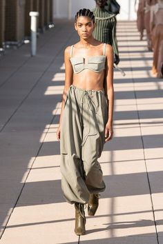 Dion Lee Spring 2020 Ready-to-Wear Fashion Show : Dion Lee Spring 2020 Ready-to-Wear Collection - Vogue Fashion Weeks, Fashion 2020, Look Fashion, Runway Fashion, High Fashion, Fashion Outfits, Fashion Design, Fashion Trends, Fashion Spring