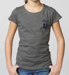 GIRLS - EQIP-11 print T-shirt - mid grey. For girls who also want to radiate team spirit and sportsmanship off the field.
