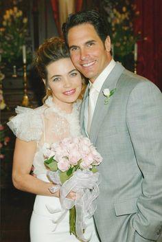 Victoria (Amelia Heinle) married Brad (Don Diamont)