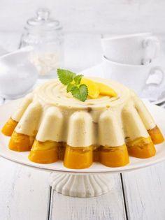 Τούρτα ζελέ ανανά και μάνγκο με κρέμα βανίλια - www.olivemagazine.gr Dessert Recipes, Desserts, Panna Cotta, Bakery, Cooking Recipes, Sweets, Ethnic Recipes, Yoga Pants, Food
