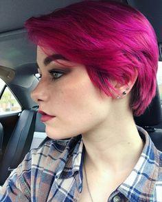 Nails pink short hair colors 65 new ideas - Short Bob Hair Styles Pink Short Hair, Short Dyed Hair, Lilac Hair, Short Grunge Hair, Pixie Hairstyles, Pretty Hairstyles, Ash Blonde Hair, Dye My Hair, Mermaid Hair