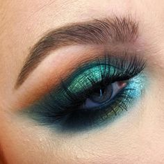 Makeup Essentials That You Don't Want To Go Without – Makeup Mastery Smoke Eye Makeup, Eye Makeup Tips, Makeup Inspo, Makeup Art, Makeup Inspiration, Hair Makeup, Makeup Ideas, Dance Makeup, Sfx Makeup