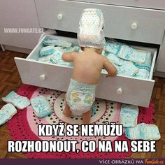 Funny Baby Memes - Thinking Of Your First Time Moms! Funny Baby Memes - Thinking Of Your First Time Moms! these hilarious baby memes will have every parent smiling. Funny Baby Memes - because laughing is so much better than crying! Funny Baby Memes, Funny Babies, Funny Kids, Funny Jokes, Fun Funny, Funny Texts, Adorable Babies, Funny Work, Epic Texts