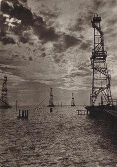Oil rigs in the sea Oilfield Trash, Oilfield Life, Black Gold, Black White, Oil Field, Drilling Rig, Oil Industry, Baku Azerbaijan, Oil Rig