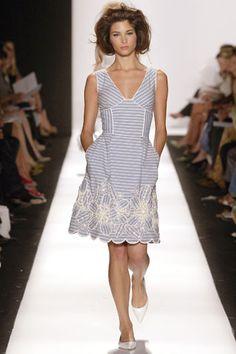Oscar de la Renta Spring 2007 Ready-to-Wear Collection Slideshow on Style.com