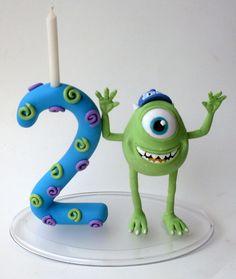 Vela decorativa para festas infantis, com personagem Universidade Monstros (MIKE).