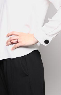 3D printed ring, minimal design. http://tipo00design.com/pennetta