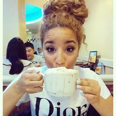 Her eyes are like heaven😍😍 Malibu Cafe, Jadah Doll, New Hair, Your Hair, Tan Blonde, Blonde Hair, Curly Hair Styles, Natural Hair Styles, Hair Affair