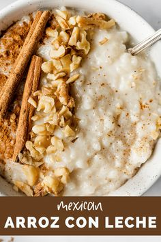 Arroz con Leche (or Mexican rice pudding) is a comforting and simple no-fuss Mexican dessert that's guaranteed to satisfy any sweet tooth. This recipe can be served hot or cold and is made with only 6 ingredients! #arrozconleche Mexican Desserts, Dessert Recipes, Macaroni And Cheese, Sweet Tooth, Sweet Treats, Rice, Pudding, Cold, Cooking