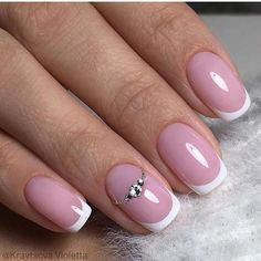 Semi-permanent varnish, false nails, patches: which manicure to choose? - My Nails French Nails, Pink French Manicure, French Manicure Designs, Pink Nails, My Nails, Nail Designs, Cute Nails, Pretty Nails, Classic Nails