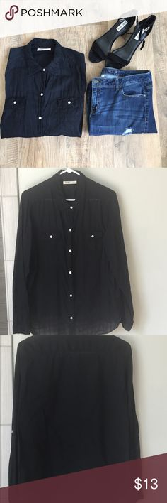 Black Button Up Shirt Semi sheer black button up top. Excellent condition. No flaws. Sleeves can be rolled up or worn long. Perfect for wearing with leggings! 100% cotton. 🚭nonsmoking home Old Navy Tops Button Down Shirts