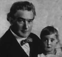 Tyrone Power Sr. married Helen Emma Reaume (stage name after marriage was Patia Power), who had been a friend of his first wife, Edith Creane, in 1912 or 1913. On May 5, 1914, she presented him with a baby boy, Tyrone Edmund Power.