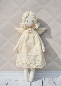 Artículos similares a rag doll angel Textilе Tilda doll en Etsy Doll Clothes Patterns, Doll Patterns, Textiles, Christmas Angels, Christmas Crafts, Homemade Christmas, Doll Painting, Fairy Dolls, Soft Dolls