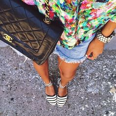 Killer color combo from @sincerelyjules #regram #soludossummer #soludos