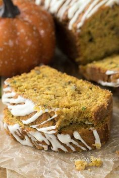 Moist Pumpkin Zucchini Bread with Cream Cheese Glaze! The perfect way to enjoy zucchini from your garden! This bread is perfect for breakfast or dessert! Pumpkin Zucchini Bread, Zucchini Bread Recipes, Banana Bread Recipes, Pumpkin Recipes, Zuchinni Bread, Zucchini Cookies, Cream Cheese Glaze, Dessert Bread, Canned Pumpkin