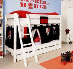 """Doppelstockbett für kleine Ritter mit """"Spielhöhle"""". Bett besteht aus Echtholz, ist in weiß lackiert und besitzt eine Leiter sowie Schubladen."""