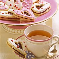 Heart-Shaped Sandwich Cookies: http://www.familycircle.com/recipe/cookies/heart-shaped-sandwich-cookies/