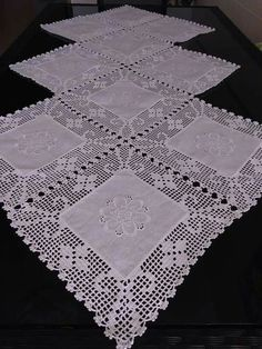Details about Vintage Hand Embroidered White Linen Table Lace Square 33 Crochet Borders, Crochet Flower Patterns, Filet Crochet, Crochet Designs, Hand Crochet, Crochet Flowers, Crochet Lace, Crochet Table Runner, Crochet Tablecloth