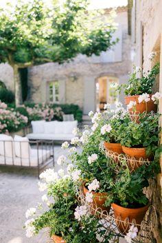 Saint R Atilde Copy My De Provence Provence Garden Balcony Garden Provence Garden, Provence France, Tuscan Garden, Italian Garden, Design Patio, Garden Design, Moustiers Sainte Marie, Small House Exteriors, Porches