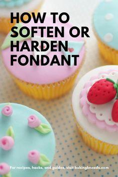 Fondant Cake Prices, Fondant Bee, Fondant Cake Designs, Fondant Tips, Fondant Cookies, Cupcakes With Fondant, Cupcake Fondant, Easy Fondant Recipe, Homemade Fondant Recipes