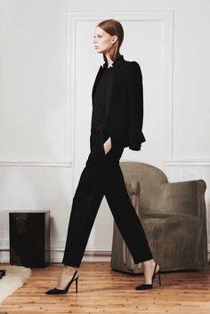 all black outfit Work Fashion, Daily Fashion, Fashion Outfits, Womens Fashion, Fashion Design, Style Fashion, Fashion Trends, All Black Everything, Minimalist Fashion