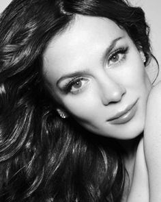 Anna Friel uses 'Trilogy CoQ10 Booster serum to really hydrate her skin and make it glow. She uses it in the evening and wakes up looking refreshed' Try it!!