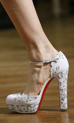 Marchesa 2016.  Ocho tendencias en zapatos de novia que no hay que perder de vista esta temporada - Foto 11