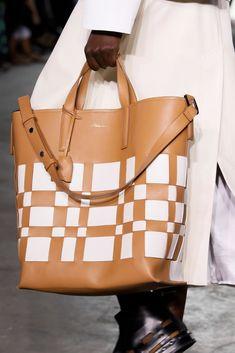 Phillip Lim Ready To Wear Spring Summer 2020 New York Versace Handbags, Tote Handbags, Purses And Handbags, Leather Handbags, Leather Bag, Helly Hansen, New York Fashion, Trending Handbags, Phillip Lim Bag