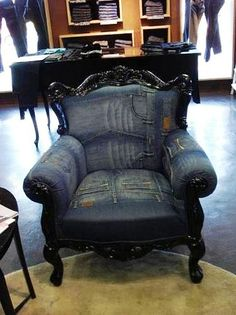 Russian site with many appealing ideas for denim up cycling. myb