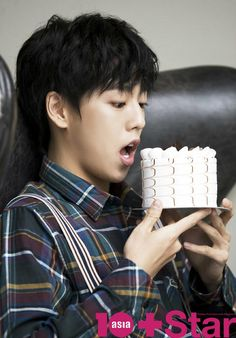 Lee Hyun Woo indulges his sweet tooth in the February edition of (Ten Asia Magazine). Hot Korean Guys, Korean Men, Asian Men, Hot Guys, Korean Wave, Korean Star, Lee Hyun Woo Smile, Asian Actors, Korean Actors