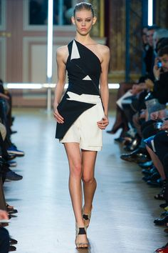 Roland Mouret Spring 2013. Quite an interesting spin on the typical black and white combination.