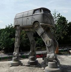 VW Bus Imperial Walker