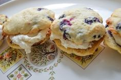 http://www.averynicerestaurant.com/lemon-blueberry-whoopie-pies-with-honey-buttercream/