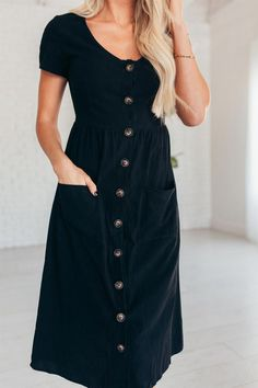 34 Popular Fall Dresses Ideas Perfect To Wear To A Wedding - The upside of being a wedding visitor is that you won't be required to wear a butt-monstrous bridesmaid dress during the pre-marriage ceremony. The dr. Modest Dresses, Modest Outfits, Fall Dresses, Casual Dresses, Cute Outfits, Dresses To Wear To A Wedding Winter, Summer Dresses, Muslim Fashion, Modest Fashion