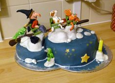 """Chocolate cake based on the Room on the Broom story. My """"Brujas"""" sisters ought to love this one! Haloween Cakes, Halloween Birthday Cakes, Themed Birthday Cakes, Witch Cake, Fox Cake, Room On The Broom, Birthday Chocolates, Halloween Chocolate, Great British Bake Off"""