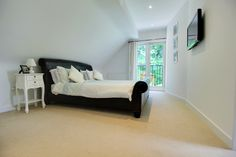 Lovely room, comes with a large en suite and walk in wardrobe