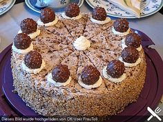 Ferrero - Rocher - Torte, ein gutes Rezept aus der Kategorie Torten. Bewertungen: 37. Durchschnitt: Ø 4,3.