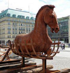 «Lapidarium - Grenzen überwinden» Pariser Platz Berlin 2015.