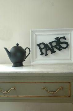 Frame the word Paris