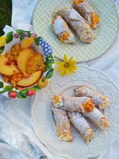 Dolce da Italia! Cannoli con crema di ricotta! Diese gefüllten Teigröllchen schmecken nach Urlaub und versetzen mich gleich wieder zurück ins schöne Italien. Als wir vor einigen Tagen in Rom waren,…