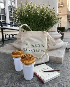 Coffee Shop Aesthetic, Aesthetic Food, Superfood, Jardin Des Tuileries, Cupcakes, Beige Aesthetic, Aesthetic Light, Summer Aesthetic, Cakepops