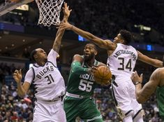 "NBA | Milwaukee Bucks fecham ""playoffs"" da conferência Este 