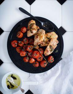 Parmesaanibroileri ja balsamico-uunitomaatit | Kana, Lisukkeet | Soppa365 Tandoori Chicken, Yummy Food, Ethnic Recipes, Drink, Beverage, Delicious Food, Drinking, Drinks, Good Food