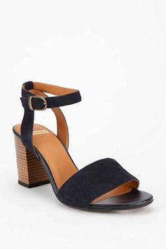 Vagabond Tulip Suede Heeled Sandal - Urban Outfitters