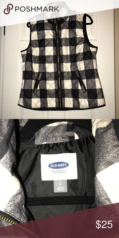 Black Plaid Old Navy Vest Super cute barely worn Old Navy Vest. Non smoking home. Old Navy Jackets & Coats Vests