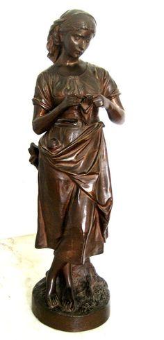 Bronze de Eugène Laurent , XIX eme ,femme tricotant ,51 cm