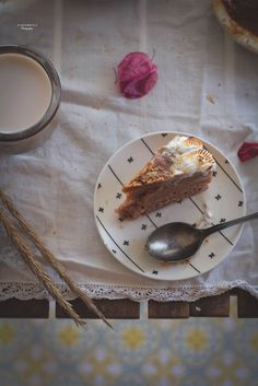 TARTA DE ALMENDRAS Y CARAMELO SIN HORNO Receta kidsandchic  cake no baked food photography  Almond salted caramel cake 3, Food, Almonds, Crack Cake, Breads, Candies, Cookies, Sweets, Cake Recipes